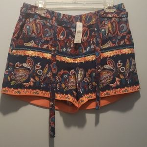 Loft size 6 shorts new with tag